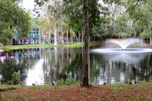 campus -pond