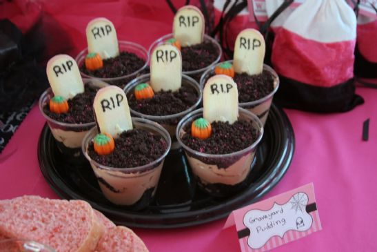 5 spooky yet simple halloween desserts - Pudding Halloween Desserts