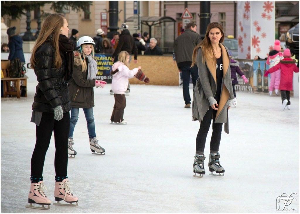ice-skating-235543_1280