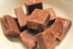 walnut-fudge-672976_640