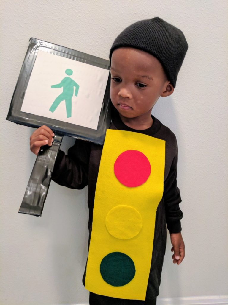 diy traffic light costume for toddler