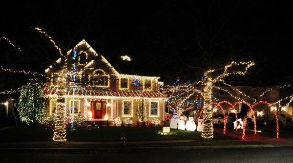 five things you can do to entertain your kids on christmas break holiday lights - Best Christmas Light Shows