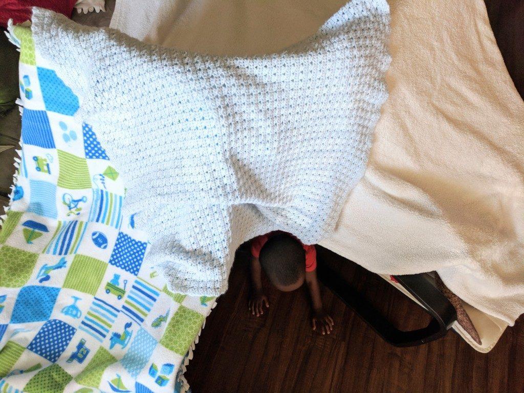 DIY indoor blanket fort